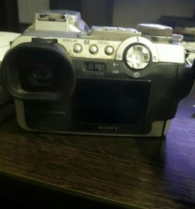Фотоаппарат Sony DSC-f717
