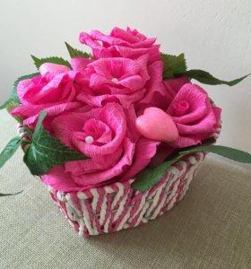 Композиция розовых роз