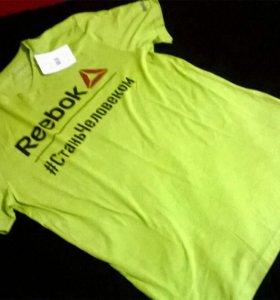 Новая футболка reebok