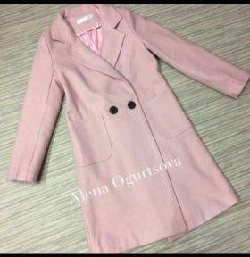 Пальто йогуртового цвета весеннее