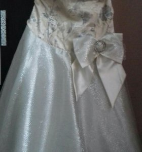 Платье,на карсете