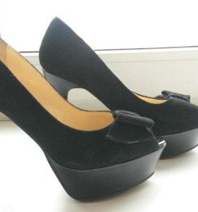 Туфли на платформе р36 и р 37