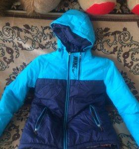 Новая Куртка осенняя 46 размер