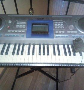 Полупрофессиональный синтезатор + подставка