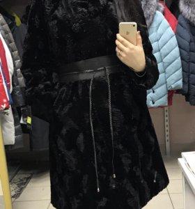 Пальто зимнее новое. Каракуль искусственный