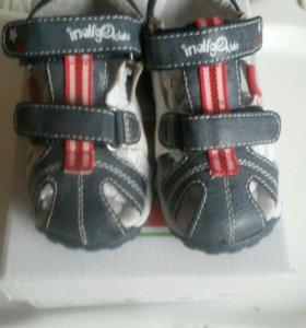 Новые сандали р.21