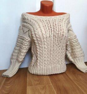 Новый свитер ручной работы