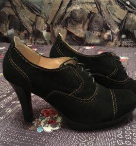 Ботильоны на каблуках