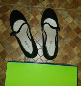 Туфли новые 39размер