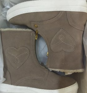 Ботинки Moschino зима 37