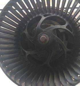Мотор печки valeo  на мерседес спринтер