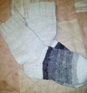 Носки ручной вязки из овечьей шерсти