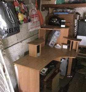 Продам стол компьютерный!
