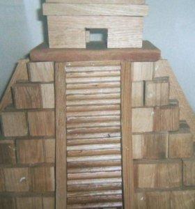 Пирамида из натурального дерева