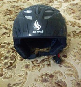 Шлем для горных лыж и сноуборда