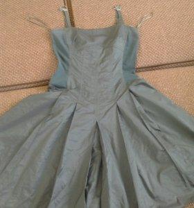 Платье BGN с пышным подъюбником,на бретелях,бирюза