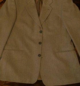 Стильный костюм тройка