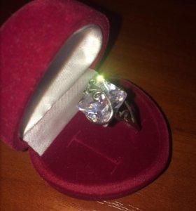 Кольцо 925 пробы с камнем
