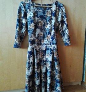 Нарядное платье 44-46р