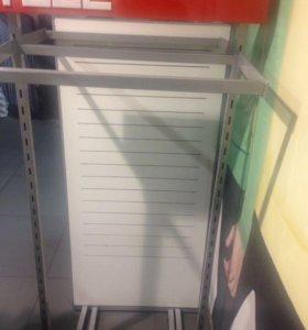 Продам торговое оборудование для магазина одежды