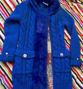 Вязаное пальто с мехом