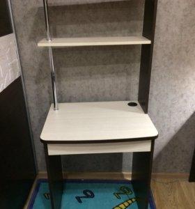 Стол школьный  или компьютерный стол