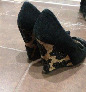 Продам туфли на тонкетке