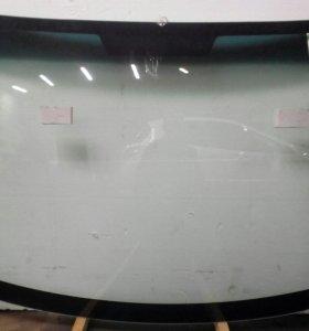 Лобовое стекло Honda Fit (2001-2008)