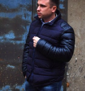 """Куртка """"E A """" новая"""