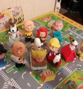 Коллекция игрушек снупи с макдональдса