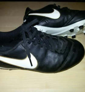 "Футбольные бутсы ""Nike"""