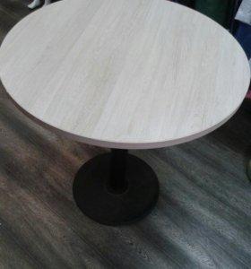 Стол  круглый на металлическом подстолье