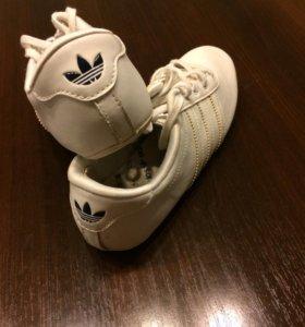 Кроссовки Адидас, белые, размер 36-37