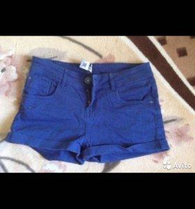 Продаю женские шорты новые