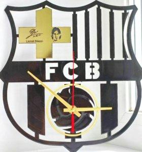 Настенные часы Barcelona из пластинки