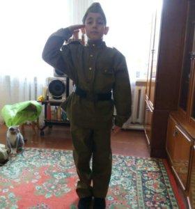 Продаю военные костюмы для детей
