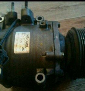 Компрессор кондиционера Honda Stream кузов RN1