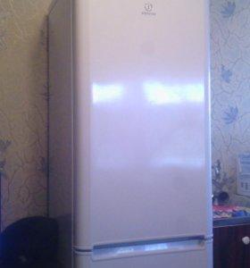 Холодильник indeit
