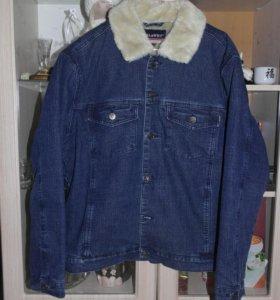 Продам мужскую куртку в отличном состоянии.