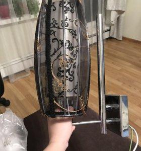 Продам настенную лампу