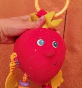 Развивающая игрушка клубника