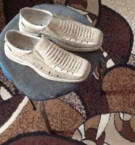 Летняя обувь на подростка 38 р