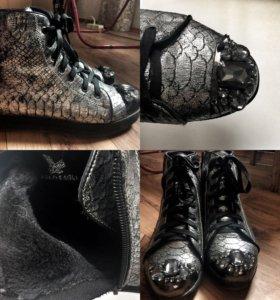Ботинки,кроссовки