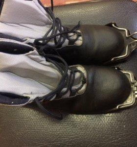 Ботинки и крепления лыжные