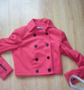Каротенький пиджак , размер  M