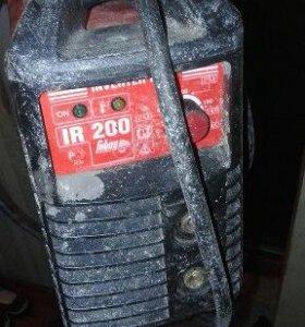 Продаем сварочный аппарат, IR 200. Замыкает.