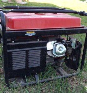 Продам бензиновый генератор