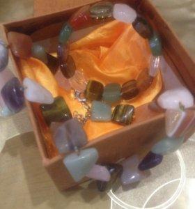 Комплект из натуральных камней.
