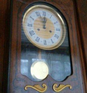 Винтажные настеные часы Янтарь