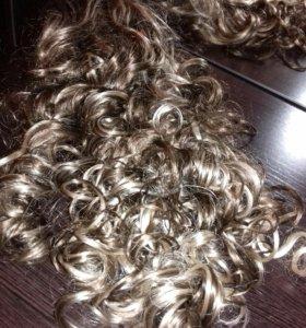 Волосы на заколке